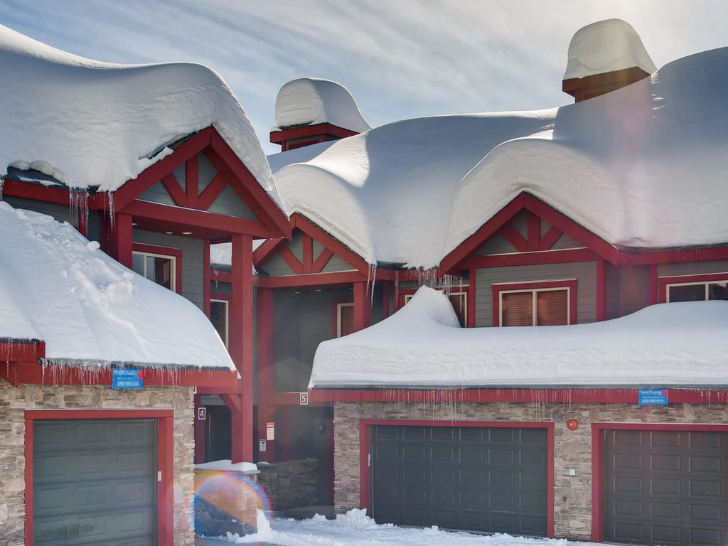 Snowbanks 4, Great for Entertaining and lots of Space for the Whole Family