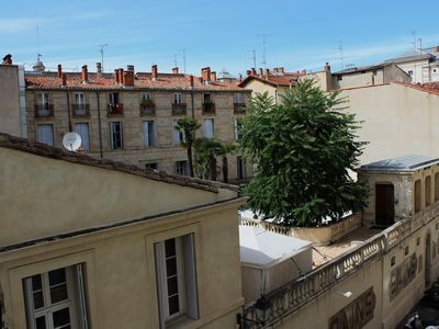 Photo for Stunning 100 sq.m apartment with lift, 2 min by foot from Place de la Comédie