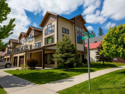 Photo for 3 bedroom luxury townhome in downtown Whitefish