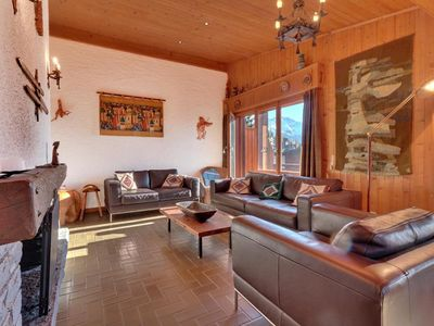 Photo for Nice 4 pieces apartment on top floor, near Médran.  Composition:  • Living-room with fireplace a