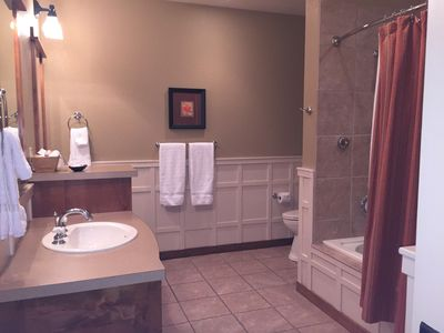 Photo for One Bed Lux Suite Mt View 375