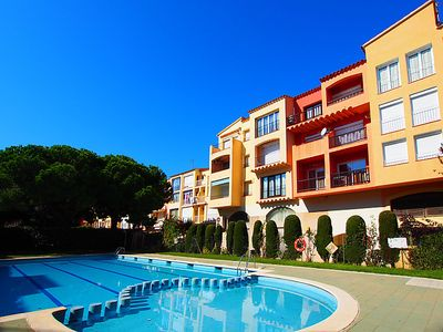 Photo for 3 bedroom Apartment, sleeps 6 with Pool, WiFi and Walk to Beach & Shops