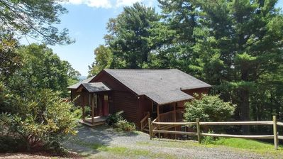 Photo for ONLY 1.5 MILES FROM DOWNTOWN BLOWING ROCK!!!  4BR/3BA, hot tub