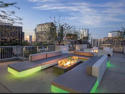 Photo for Downtown Austin 2BR Prime new location Rooftop Pool