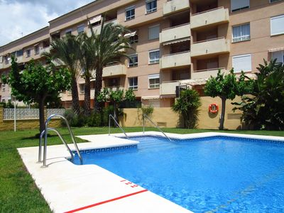 Photo for 2 bedroom apartment with perfect location and walking distance to all amenities