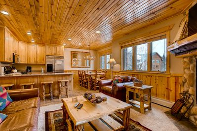Timber Wolf #6B Living Area