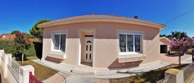 Photo for Nice and functional villa 6/8 people - Near downtown and beaches