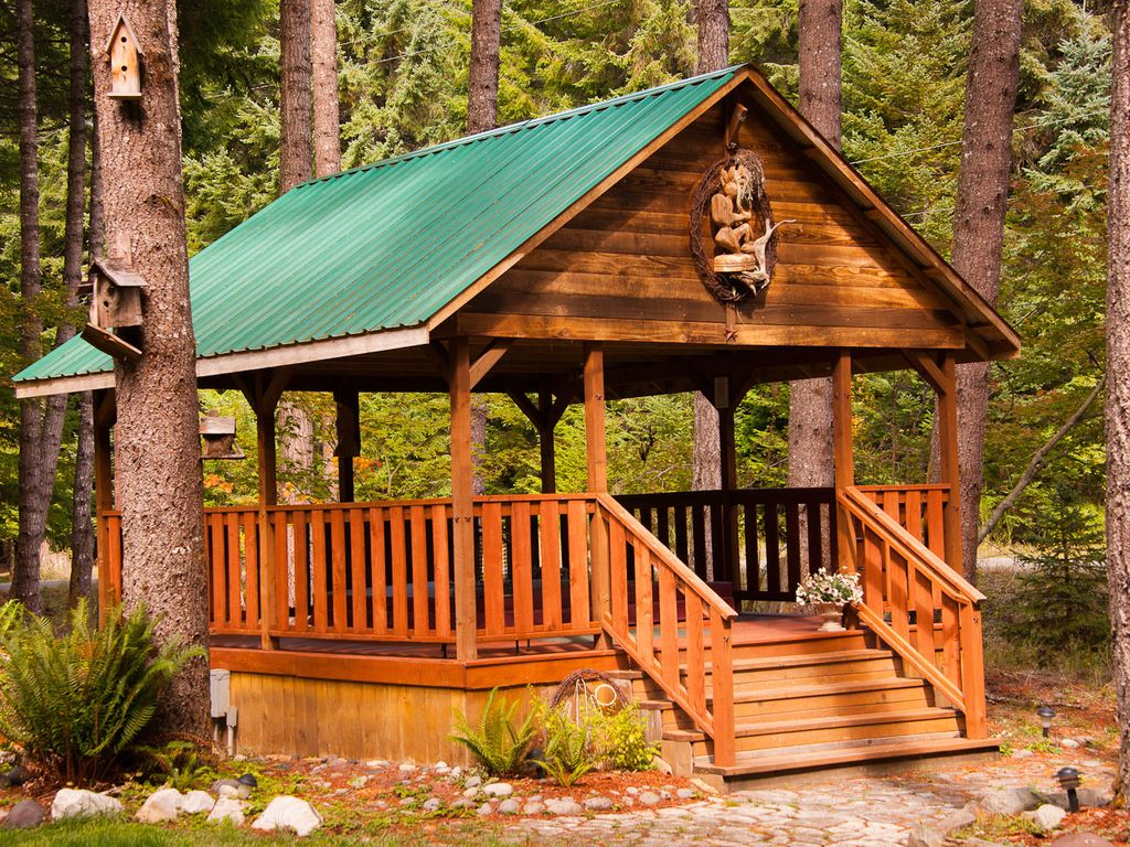 Book the elk crossing chalet for your vacation at crystal for Crystal mountain cabin rentals