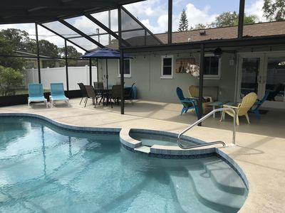 Newly Remodeled, Brand New Furnishings Minutes To Beach. With Pool, Pet Friendly