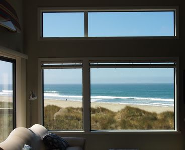Beachfront Condo With Amazing Views, Comfort, And Fun For Everyone