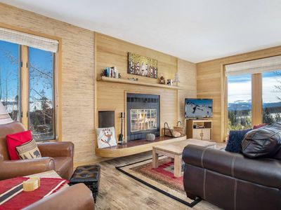 Photo for Incredible Mountain Views/Log Fireplace-Central to Breckenridge/Keystone/Vail/All Skiing NEW BEDDING