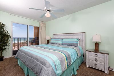 THe luxury continues into the master bedroom with its king size  - The luxury continues into the master bedroom with its king size bed, balcony access and flat screen HDTV.