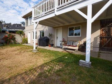 Search 50 holiday rentals