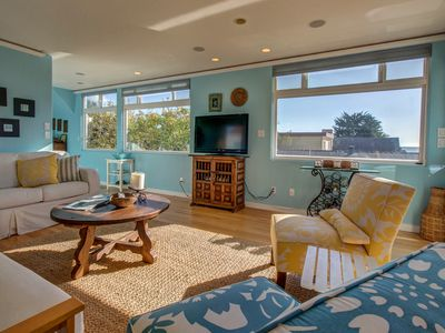 Photo for 3-level surfers paradise w/ ocean view, hot tub, enclosed yard, close to beach