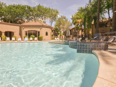Photo for Beautiful Newly Renovated 2 bedrooms Condo In N. Scottsdale