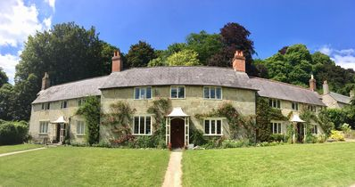 Photo for Charming Cottage in idyllic location on Stourhead Estate