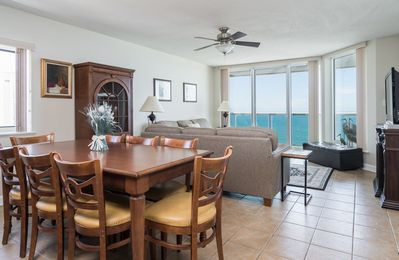 Photo for Malibu Pointe - 1201 Beautifully furnished 3-bedroomed condo oozes upmarket charm.