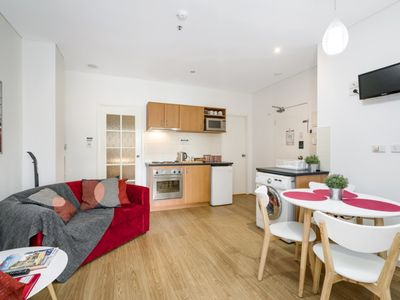 Photo for Charming 2 bedroom apartment location