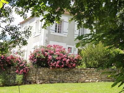 Photo for Haven of peace, surrounded by a beautiful park, in the heart of Périgord