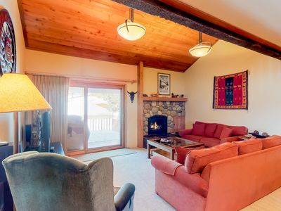 Photo for Condo w/golf course views , shared pool & hot tub, adjacent to slopes!