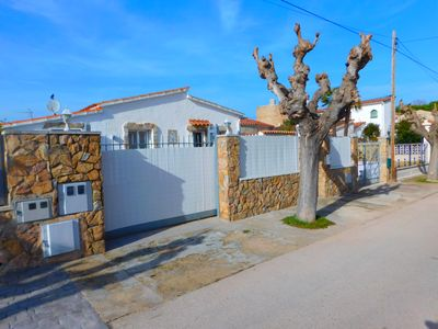 Photo for House with terrace and parking, Empuriabrava