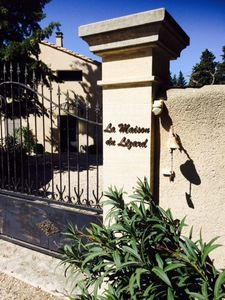 Photo for The lizard house -Mass of character in Provence, swimming pool, surrounded by vineyards