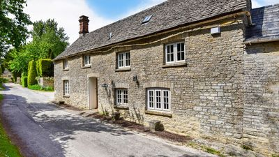 Cotswold Cottage from the lane