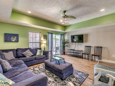 Photo for Ocean Blvd 4 Bedroom, Lazy River. Great for Families!