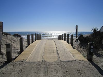 3 Minute walk to the beach - Access - Free Parking with Golf Cart Sticker