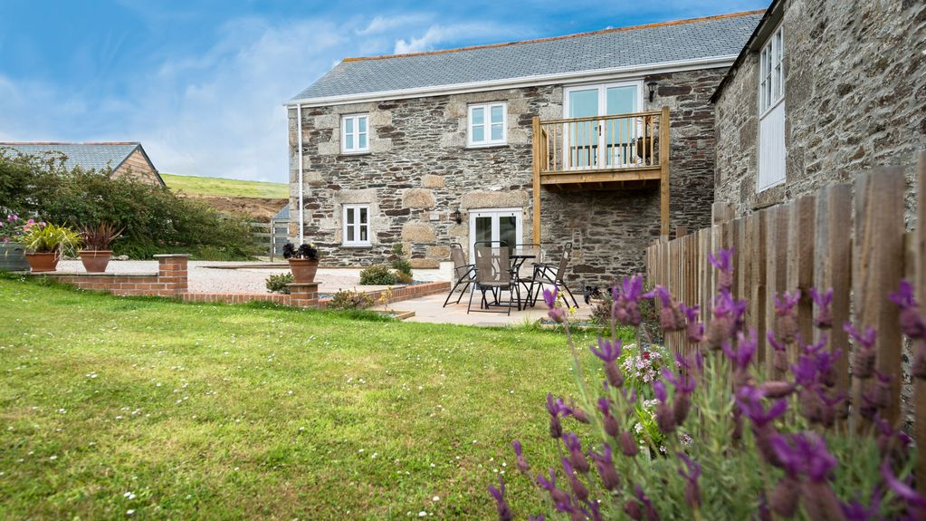 Shirehorse Barn A Rural Retreat Peaceful Location Large Garden Free Parking Helston And