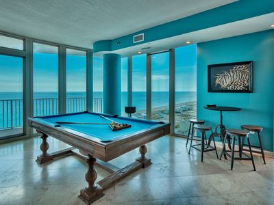 Penthouse Palace Live like a King, 360 views, Pool Table,  entire floor 16 yours