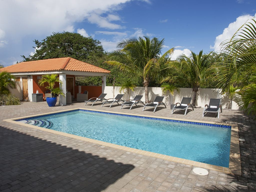 Luxury Villa For Rent With Swimming Pool In Curacao