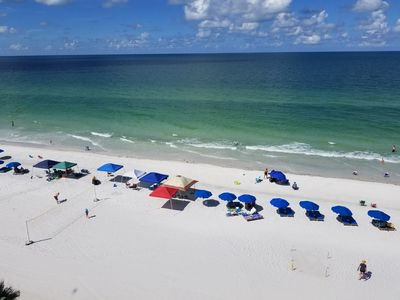 Enjoy the white sands of the Gulf of Mexico in luxurious and spacious condo.
