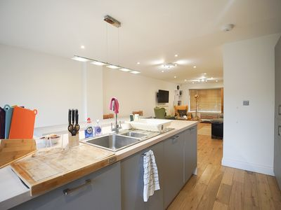 Photo for Holiday Homme - 3 Bedrooms - Open-Plan Living - trendy place to stay!-