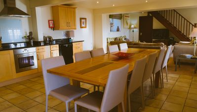 Dining area for up to 10 guests