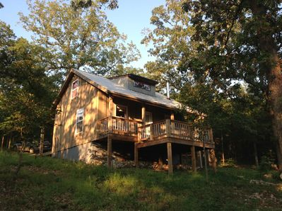 Twisted Redbud Cabin Your little cabin in the woods!
