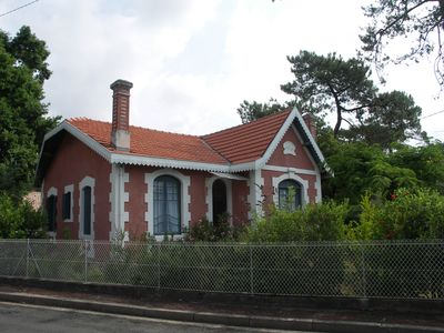 Photo for Charming Arcachon villa just steps from the beaches