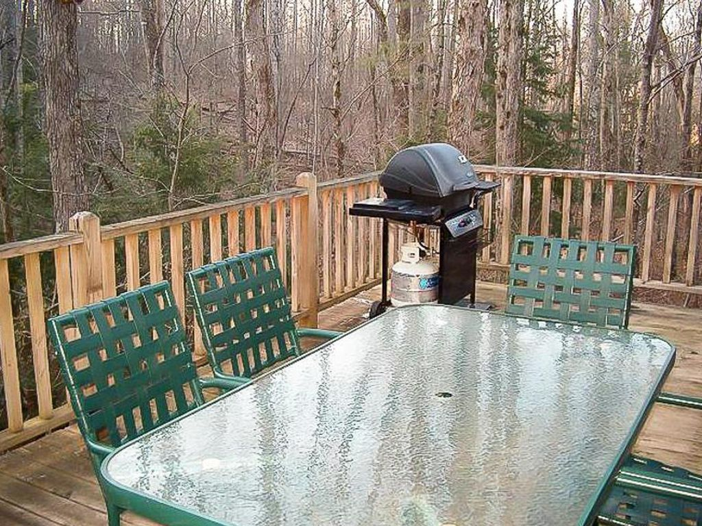 tranquil log cabin for secluded hideaway homeaway sevierville