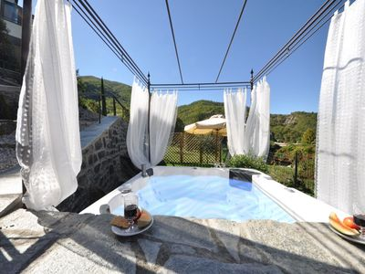 Photo for Villa La lookout with hydromassage bath in the fenced-in garden (sleeps 6)