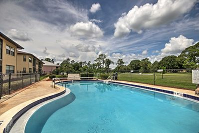 Head to the 'Sunshine State' and stay in this vacation rental condo in Sebring.