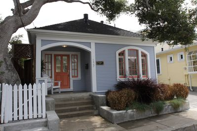 Adorable Historic Cottage one block to Lovers Point and Downtown