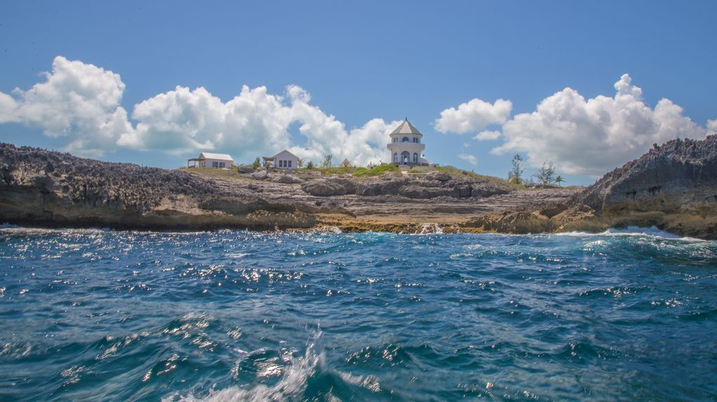 New Oceanfront Cottage With Spectacular View Private