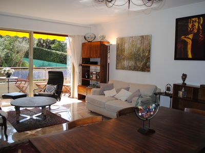 Photo for Beautiful apartment sleeps 6/7, near the city center of Cannes