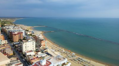 Photo for Elegant flat ( 85 m² ) with direct access to the beach and a private terrace ( 50 m² ) on the sea.