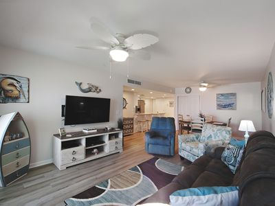 Photo for Be inspired & relax. Newly renovated with spectacular Gulf views (718)