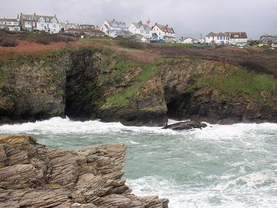 Photo for Ground Floor Apartment With Sea And Coastal Views. Dogs welcome