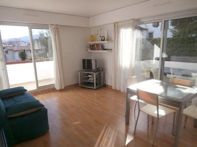 Photo for Apartment Saint-Jean-de-Luz, 2 bedrooms, 5 persons