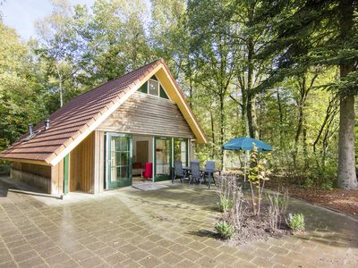 Photo for 2-person bungalow - Extra accessible in the holiday park Landal Het Land van Bartje - in the woods/woodland setting