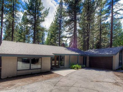 Incline Village Home w/Hot Tub, Fireplace, BBQ, Deck. Close to Lake (IVH0669)