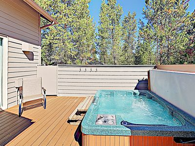 Photo for New Listing! Spacious Sunriver Haven w/ Hot Tub, Bikes & Fireplace